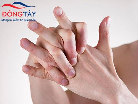 Bệnh run tay ở thanh niên và những cách chữa trị hiệu quả ít ai ngờ