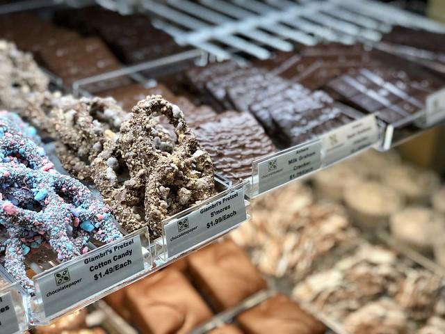 S'Mores Pretzel - Chocolatepaper
