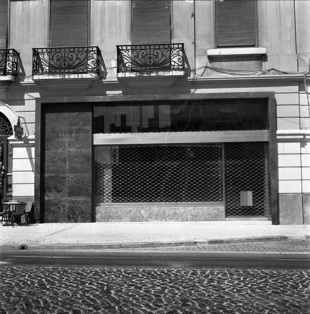Fachada, Avenida da República, 37 (A.J. Fernandes, 1961)