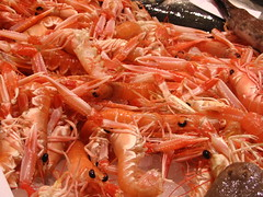 seafood boil(0.0), fish(0.0), king crab(0.0), scampi(0.0), shrimp(1.0), animal(1.0), dendrobranchiata(1.0), caridean shrimp(1.0), seafood(1.0), invertebrate(1.0), food(1.0), dish(1.0),