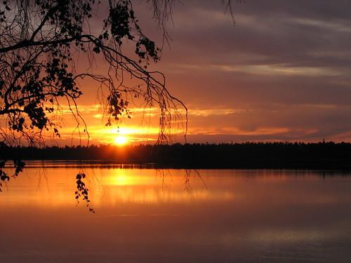 autumn red sky sun lake water yellow suomi finland evening colorful oulu vesi ilta syksy järvi aurinko punainen taivas keltainen värikäs abigfave travelerphotos excellentphotographerawards