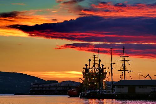 sunset sea norway 350d boat harbour bergen bryggen
