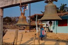Bells in Playa Ventura/Campanas en Playa Ventura