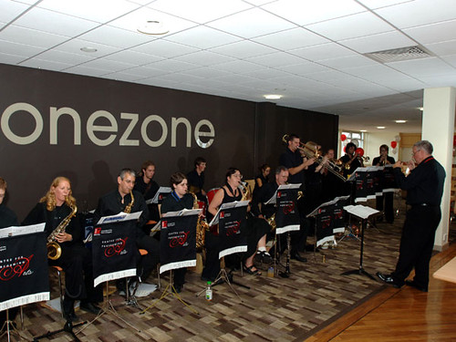Live music in onezone