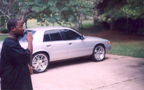 Crown Vic On 22 Inch Rims | My nigga's super clean Vic on ...