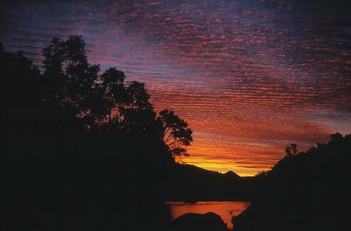 chile sunset paisajes clouds sunrise trekking atardecer backpacking montaña cordillera chilecentral cordilleradelosandes achibueno originalen35mm valledelachibueno