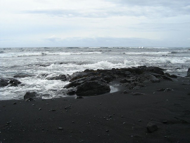 Black sand beach on the big island in hawaii flickr Black sand beach hawaii