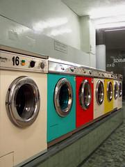 room(1.0), laundry room(1.0), washing machine(1.0), laundry(1.0),