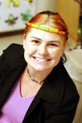 rachel the supermom modeling a pasta headband    MG 3139