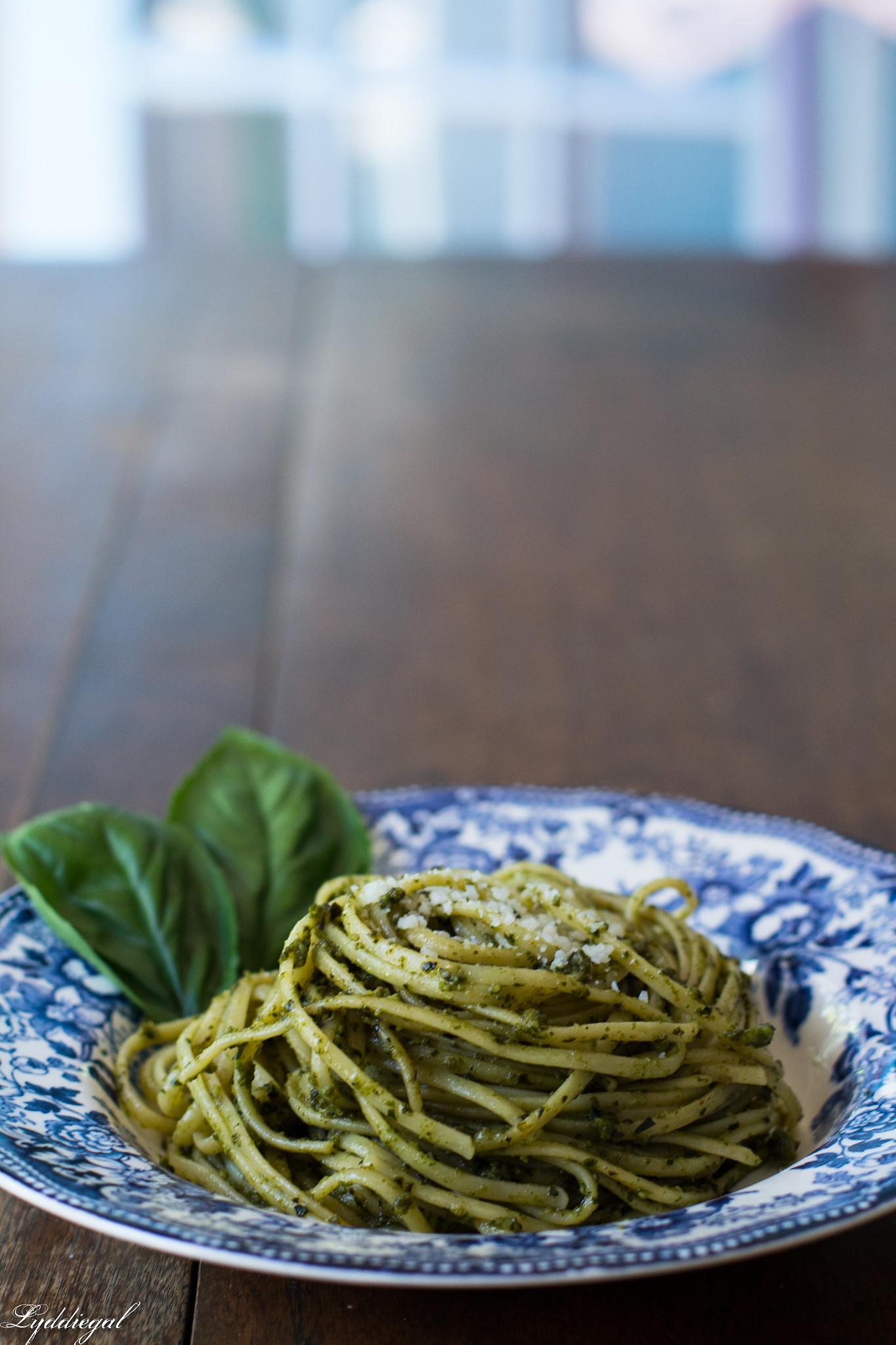 Pesto over thin linguine-6.jpg