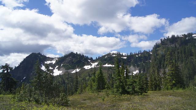 A mountain ridge we, Sony SLT-A33, Sony DT 18-55mm F3.5-5.6 SAM (SAL1855)