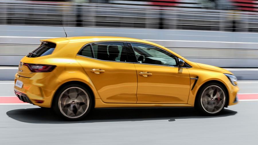 Renault Megane RS Trophy1