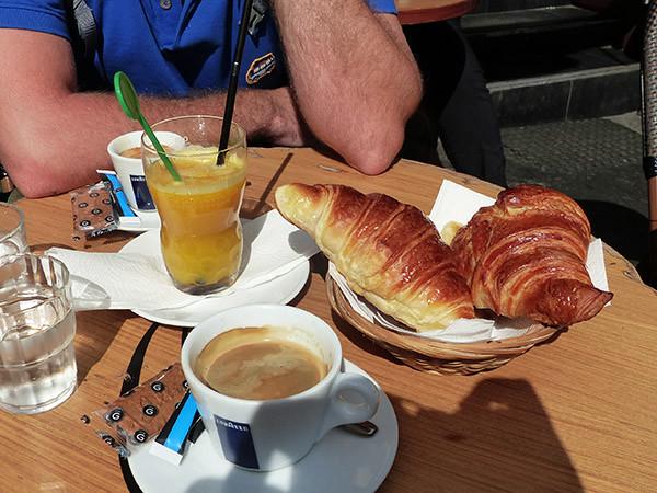 café-croissants