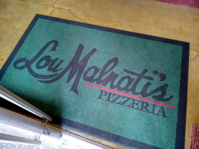 Chicago, USA | Pizzería Lou Malnati's | Felpudo