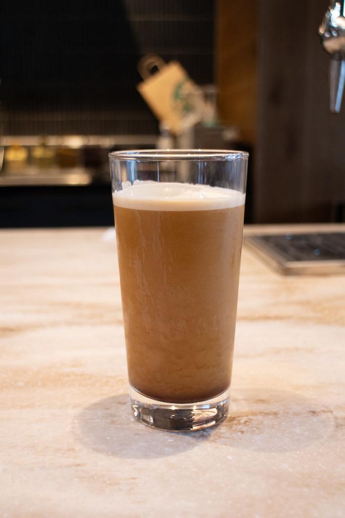ナイトロ コールドブリュー コーヒー スターバックス さいたま南与野店