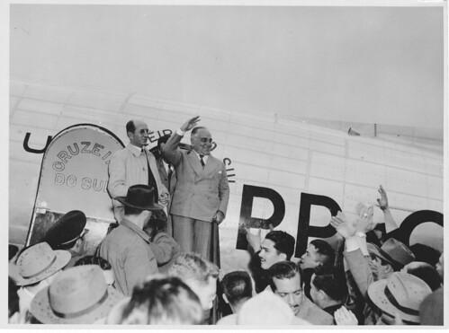 Getúlio Vargas recebido por apoiadores