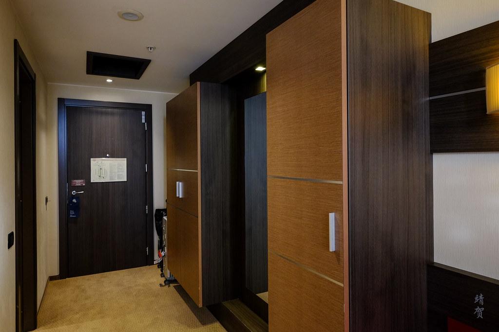 Closet and foyer