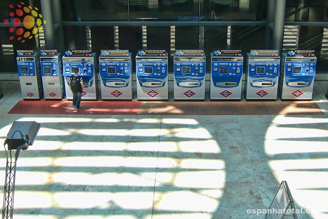 o metrô do aeroporto de Madri Barajas