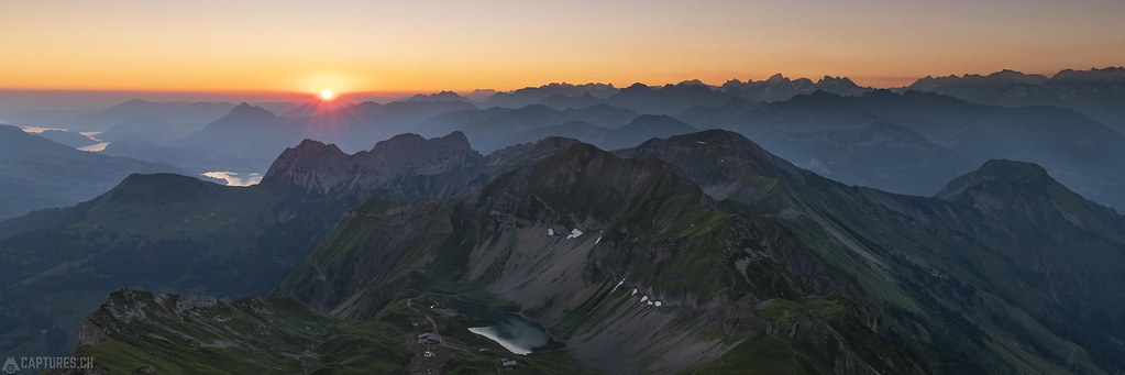 Sunrise Panorama - Brienzer Rothorn
