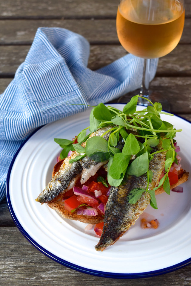 Sardine and Pea Shoot Bruschetta #sardine #fish #bruschetta #summer #tomato #italian