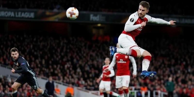 Ramsey Diminta Oleh Rekannya Untuk Tetap Bertahan di Arsenal