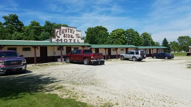 Countryside Motel and RV Sites - Sturgeon Bay, WI (submitted photos) - Retro Roadmap 2018