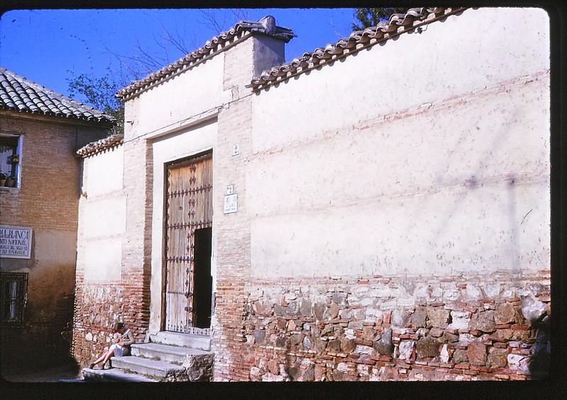 Sinagoga de Santa María la Blanca en Toledo en abril de 1963. Película Kodachrome. Donación de la familia Burgos.