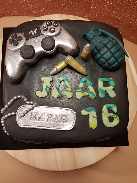 Play Station Call of Duty Cake by Sylwia Abd Rabou of Hobby Taarten