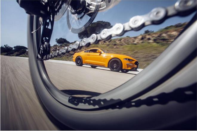 【圖說一】Ford WheelSwap虛擬實境體驗以第一人稱視角,讓使用者體驗汽車駕駛及單車騎士可能面臨的交通危險,幫助汽車駕駛和單車族了解彼此...