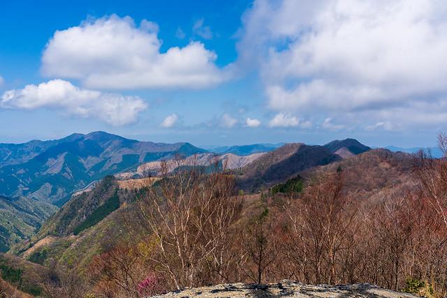 この稜線は武甲山まで連なる@51号鉄塔