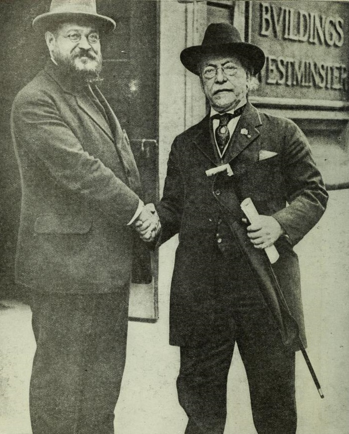 Picture of Samuel Gompers with Albert Thomas, 1918.