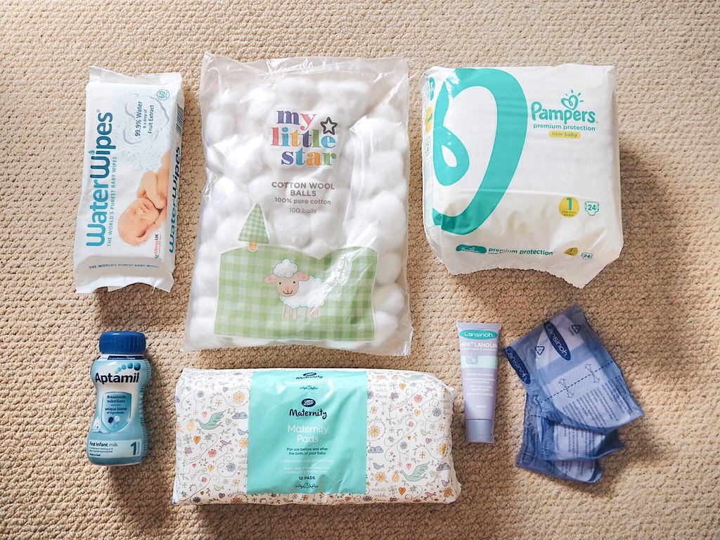 Pregnancy Diaries: What's in My Hospital Bag | Hannah and The Blog