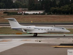 Gulfstream G450 P4-BFL taxiing at AGP/LEMG