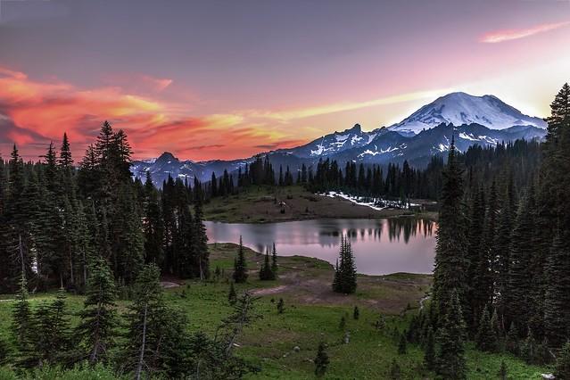 Tipsoo Lake Sunset Colors, Mount Rainier National Park
