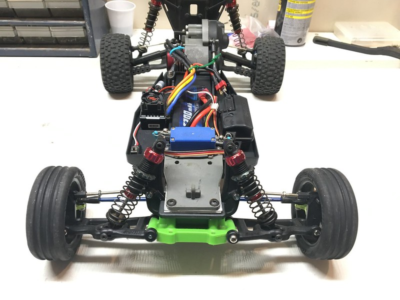 traxxas t maxx steering diagram: [project] custom reverse chassis  mid-motor ruslter