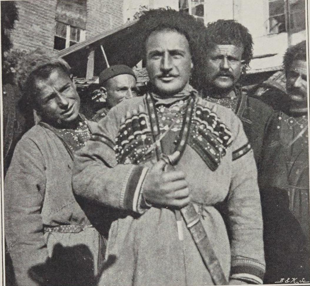 15. Хевсуры аула Охарчеви