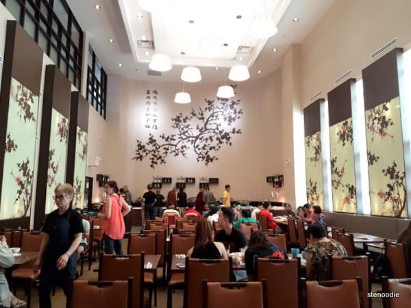 Blossom Vegetarian interior