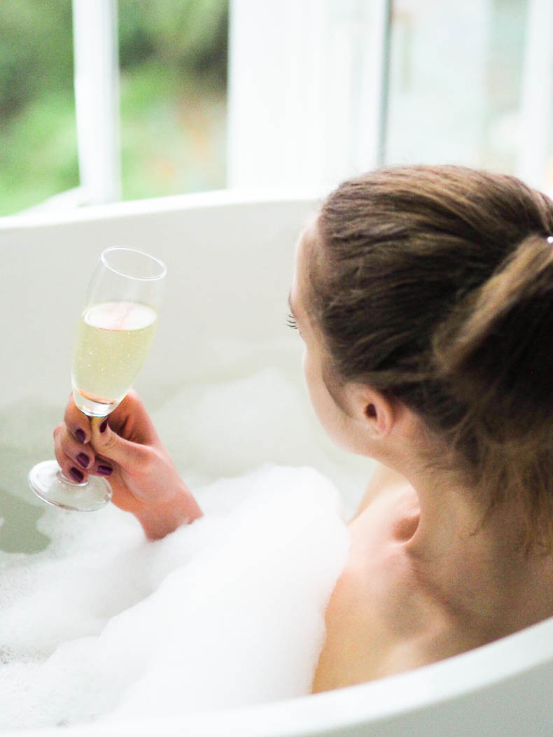 bubble-bath-prosecco