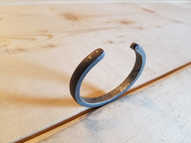 STAINLESS DAMASCUS BANGLE