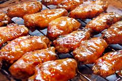Alitas de Pollo Laqueadas con Salsa de Mango y Miel (6)