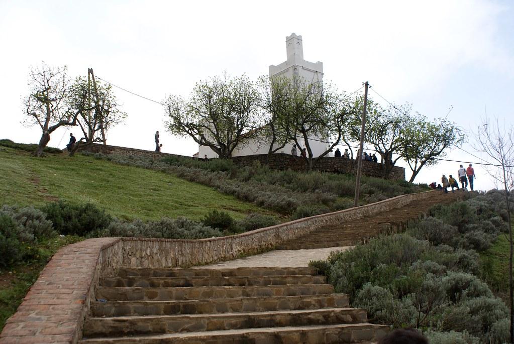Escalier menant à la Mosquée Bouzâafarà Chefchaouen