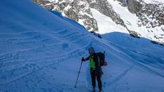 Podejście lodowcem Vadret da Morteratsch przez Da Buuch do schroniska Marco e Rosa 3597m. Maciek.