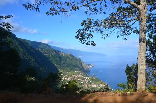 Blick entlang der Nordküste Madeiras Richtiung Porto Moniz