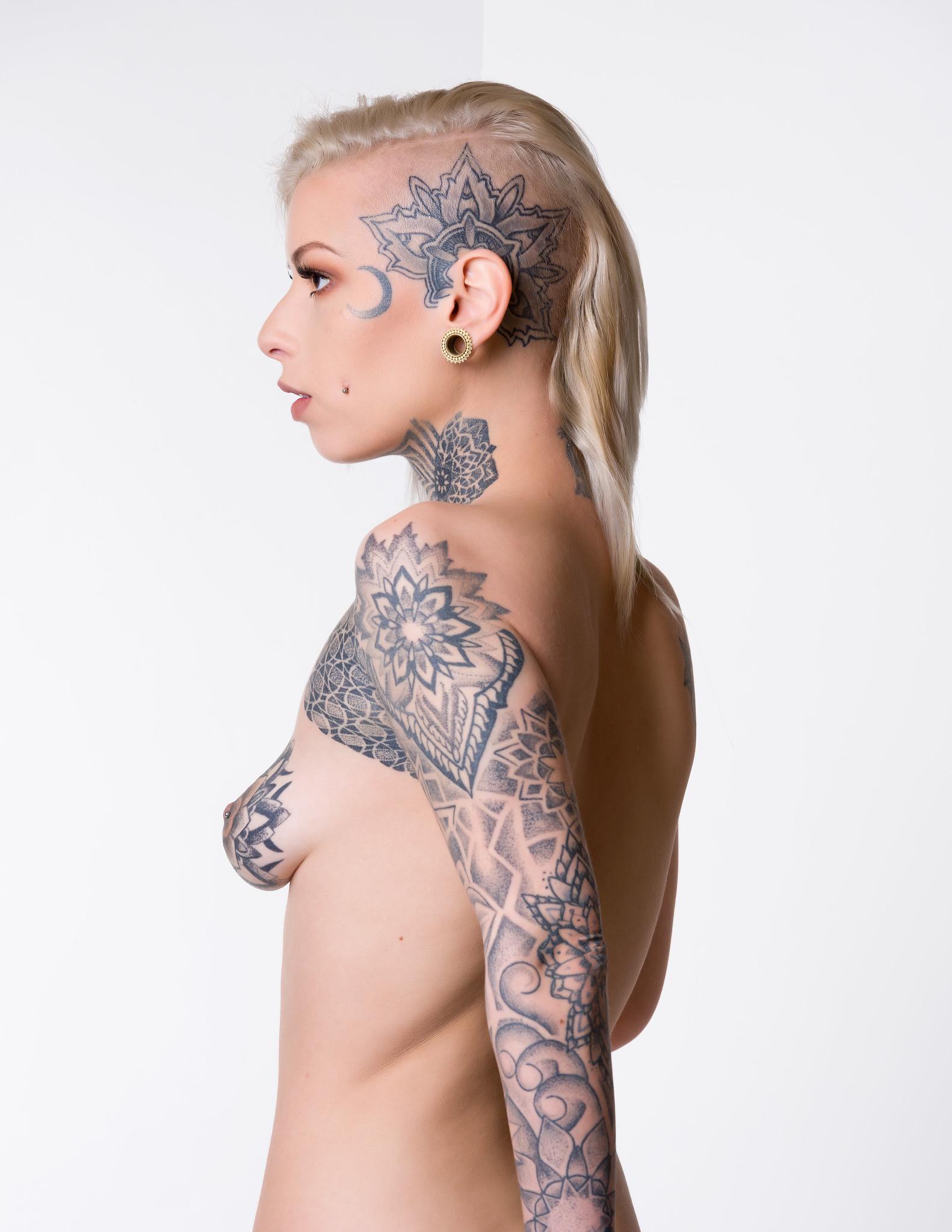 the nude in profile - stephanie katharine