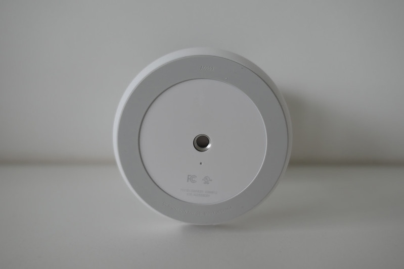 Nest Cam IQ Indoor - Bottom