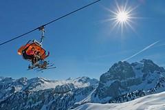 V Gstaadu postaví první kabinkovou lanovku D-Line ve Švýcarsku