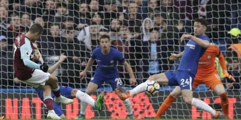 Marcos Alonso Menyampaikan Permintaan Maaf Dari Chelsea Kepada Fans Southampton