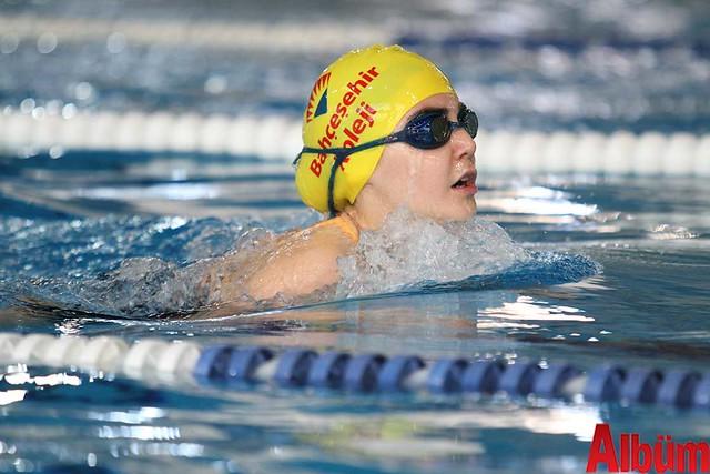 23 Nisan Çocuklar Alanya yüzme yarışı -4