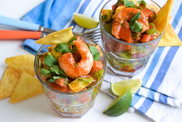 Mexican Prawn Cocktails for Cinco de Mayo #prawn #shrimp #prawncocktail #shrimpcocktail #mexican #tomato #avocado #chipolte