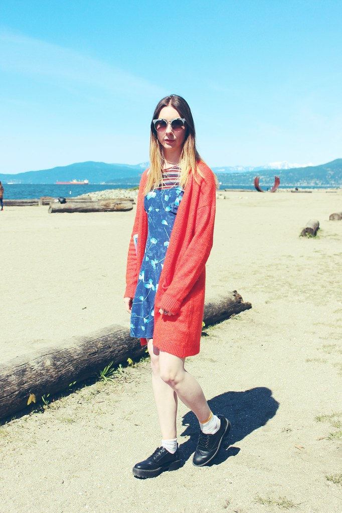 Vintage dress, oversized Cardigan and chunky shoe outfit in Vancouver 3